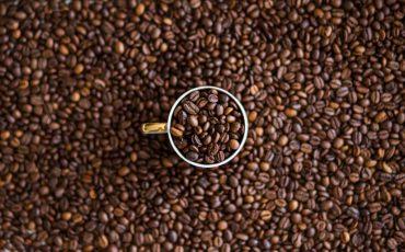 kofeina w pielęgnacji włosów i skóry
